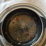 Los platos que comí de menú y el vino de la casa que los acompañaba Lo mejor, los macarrones. El