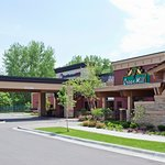 Welcome to the Best Western Plus Hotel in Shoreview, Minnesota.  We are so happy you're here!