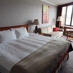 DELUXE HOTEL ROOM WITH COUCH AND DIRECT VIEW OVER DANUBE AND BUDA CASTLE