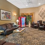 Baymont Inn & Suites Florida Mall Foto