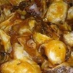 Tapa para uno, mini flamenquines con patatas caseras. Delicioso