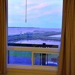 Fenêtre qui s'ouvre, balcon.
