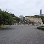 Photo de The East Gardens of the Imperial Palace (Edo Castle Ruin)