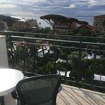 Photo de Carlton International Hotel