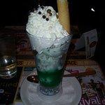 glace menthe pamermint très bon (légèrement alcoolisé jet 27 ) excellent