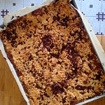 cheese cake with crumble and chocolate