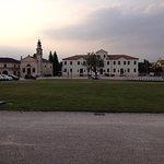 La meravigliosa piazza di Badoere