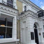 Sandford House Bar and Hotel