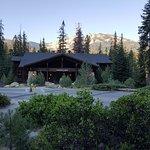 Photo de The Peaks Restaurant at Wuksachi Lodge