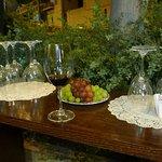 Billede af Red & White Wines Bar & Store