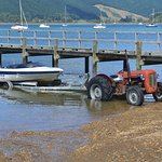 the special kiwi system of boat tractors