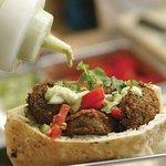 תמונה של offer falafel