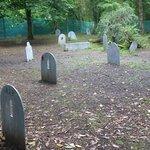 Friedhof beim alten Bauernhof
