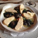 'Escargots' / Snails in a nice creamy & garlic butter