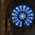 Rosette über der Sauer-Orgel