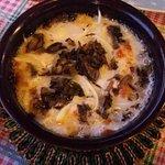 Formaggio al forno con funghi e cipolla