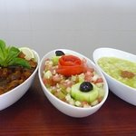 "Salade d'aubergines ""Zaalouk""; Salade Marocaine à l'huile d'argan; salade de concombres"