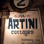 Photo de Artini 2 Cottages