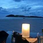 Candel lit diner on the beach