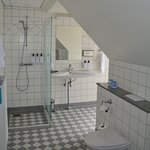 Big bathroom which great toiletries. Loved the shampoo & conditioner.