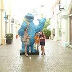 Photo de La Isla Shopping Mall