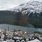 Vue panoramique sur Saint Moritz et son lac le 14. Juillet 2016