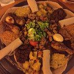 Eine Platte für 4 Person (Haben zu 3 gegessen, war nicht sooo viiiel)
