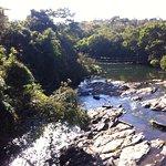 Vista da ponte sobre o Rio Corumbá dentro hotel