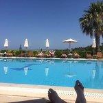 Astra Village Hotel & Suites Foto