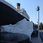 out front of the titanic museum