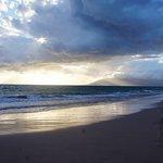 ビーチからの夕陽