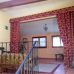 Un hotel muy agradable y bien equipado, con buen gusto y dentro de las murallas. Situado muy cer
