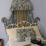 Periwinkle Room - bed