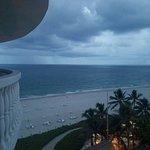 Photo de Beachcomber Resort and Villas