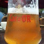 lokaal bier wordt geschonken in cafe de Brasserie