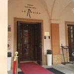 Mamaison Hotel Le Regina Warsaw Entrance