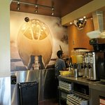Waypoint Cafe is a great place for aviation fans (24/Jul/16).
