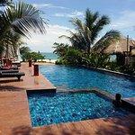 Photo de LaLaanta Hideaway Resort
