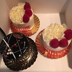 2 rubis and a triple chocolate patisserie. Divine!