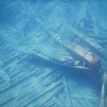 Divers Den Photo