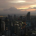 Vista panoramica en la noche desde el Panaviera Trump Tower Panama piso 66