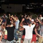 Danze sfrenate nella Greek night
