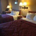Photo de Days Inn & Suites Plattsburgh