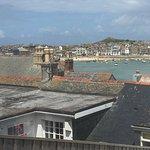 zum Hafen in St. Ives