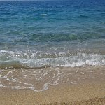 le mer de propriano qui se trouve a 300 m du camping mais pas simple pour y acceder