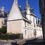 Splendide Photo prise de la Rue Jacques Coeur (Façade avant)