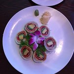 the sashimi roll appetizer!