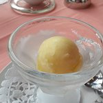 Lemon and vodka sorbet as a palette refresher