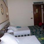 Otra foto de la habitación.