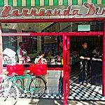 Fachada de Barracuda Diner. Una fuente de sodas estilo retro. Muy agradable lugar en La Condesa.